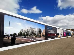 hoarding-graphics-in-Canary-Wharf